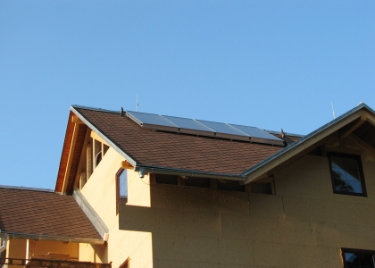 Solární systém TWI pro ohřev vody a přitápění v Jablonci