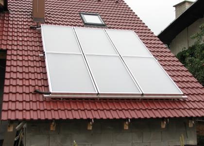 Solární systém TWI pro ohřev vody a přitápění.