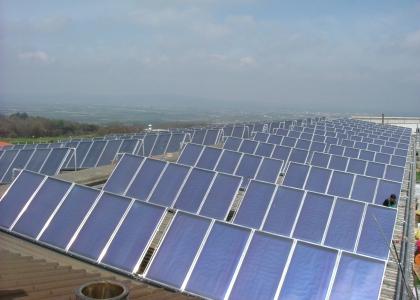 Velkoplošný solární systém TWI realizovaný firmou TEULA ve Španělsku.